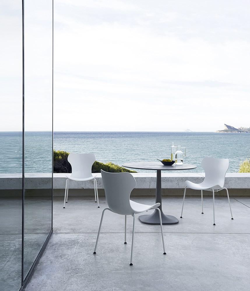 B&B-Italia-Naoto-Fukasawa-Papilio-Shell-Outdoor-Chair-Matisse-2