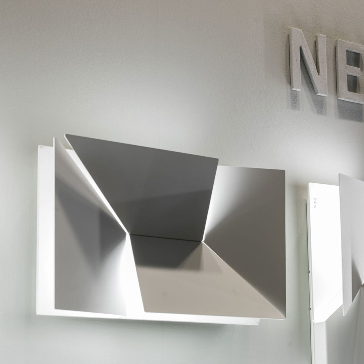 Nemo-Charles-Kalpakian-Wall-Shadows-Moyen-Light-Matisse-9