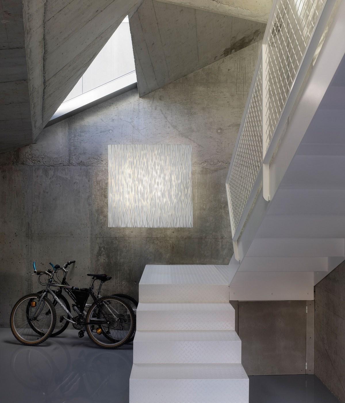 Arturo-Alvarez-Planum-Wall-Ceiling-Light-Matisse-3