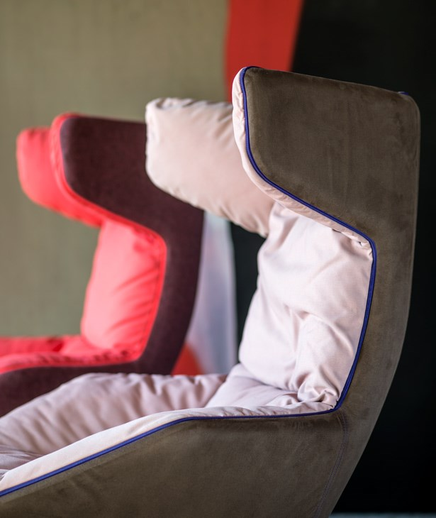 Moroso-Alfredo-Häberli-Take-A-Line-For-A-Walk-Lounge-Chair-Matisse-6