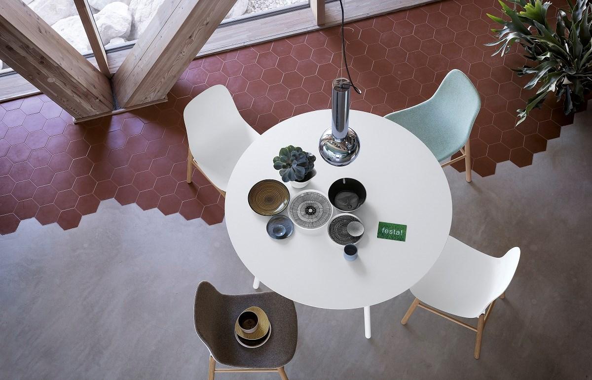 Kristalia Neuland Sharky Chair Insitu1