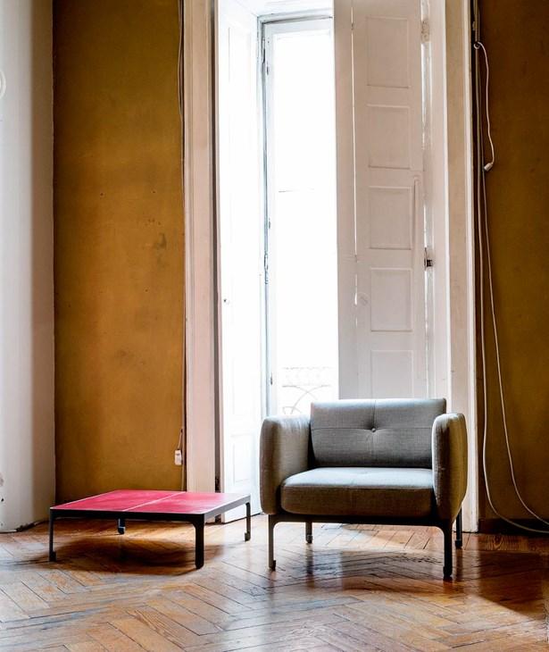 Moroso-Nipa Doshi-Jonathan-Levien-Modernista-Armchair-Matisse-4