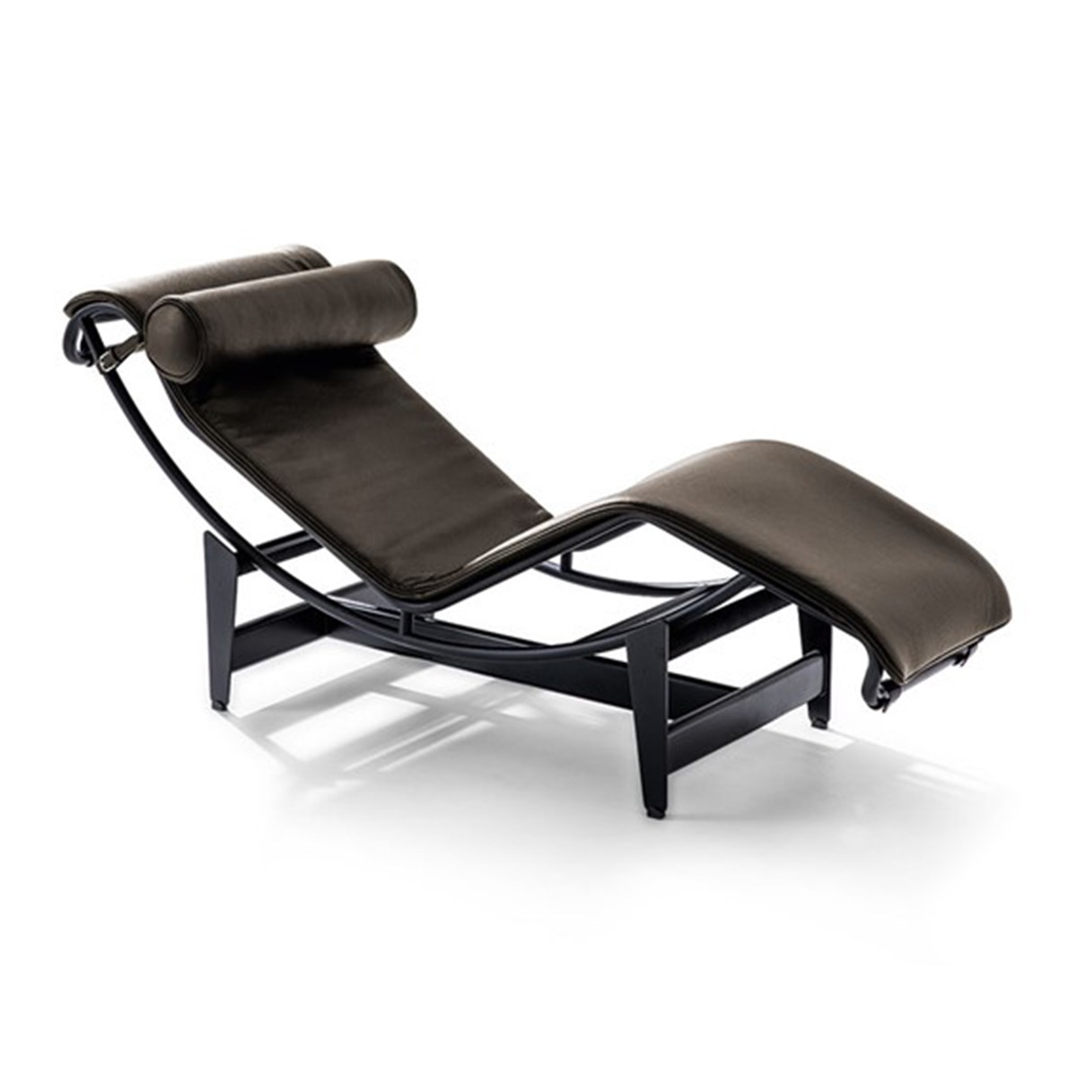 Cassina-Le-Corbusier-Pierre-Jeanneret-Charlotte-Perriand-LC4-Noir-Chaise-Longue-Matisse-1