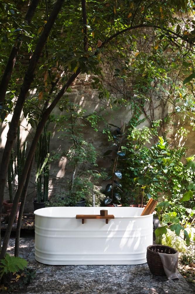 Agape Urquiola Vieques Bath Outdoor Insitu10
